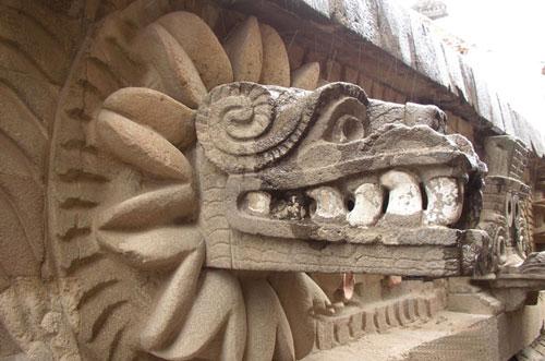 s13-arte-templo-quetzalcoatl