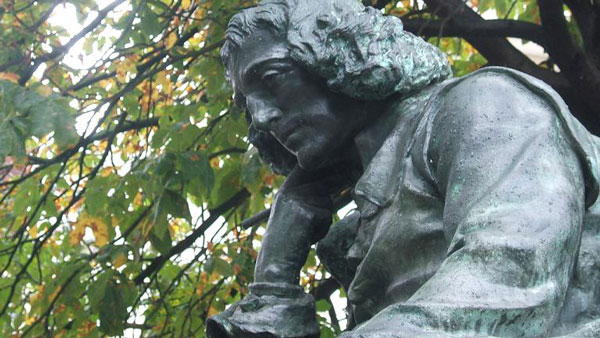 s33-quienfue-Spinoza-statue-the-hague